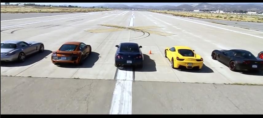 11台高級車ドラッグレース